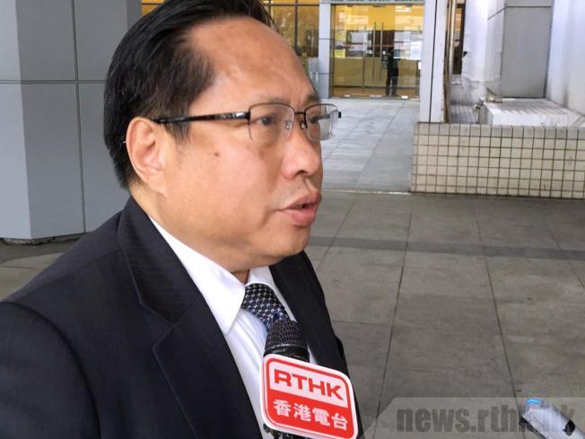 何俊仁遇襲後自行到醫院求醫。(取材自香港電台)
