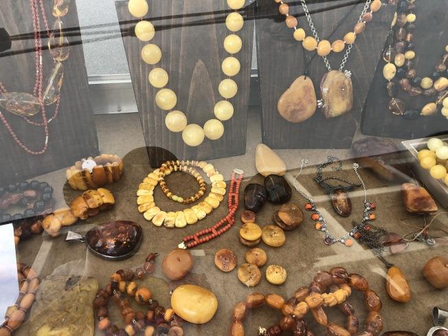 珠寶首飾最是流行。(記者張宏/攝影)