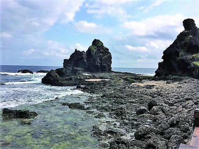 綠島海岸景觀。(荊棘.攝影)