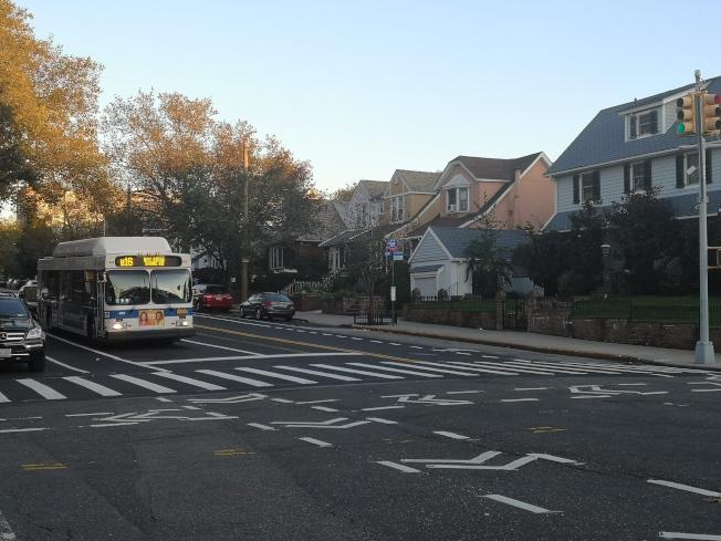 民選官員要求MTA據悉更多的公聽會議,確保布碌崙公車系統路線設計正確。(記者黃伊奕/攝影)