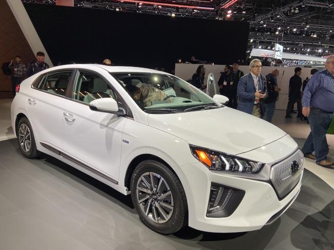 現代汽車(Hyundai)向全球媒體展示全新的2020 IONIQ 電動車款。(記者謝雨珊/攝影)