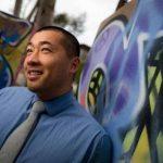 曾是無證童 聖地牙哥加大華裔教授黃德基競逐國會議員