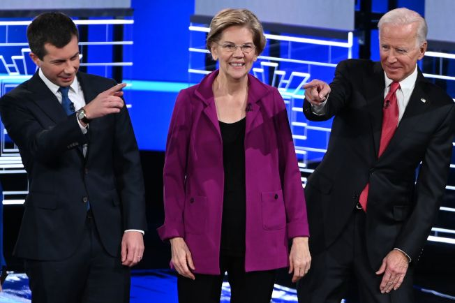 布塔朱吉(左)的後勢強勁,目前在愛阿華州初選民調中已超越華倫(中)與白登(右)。(Getty Images)