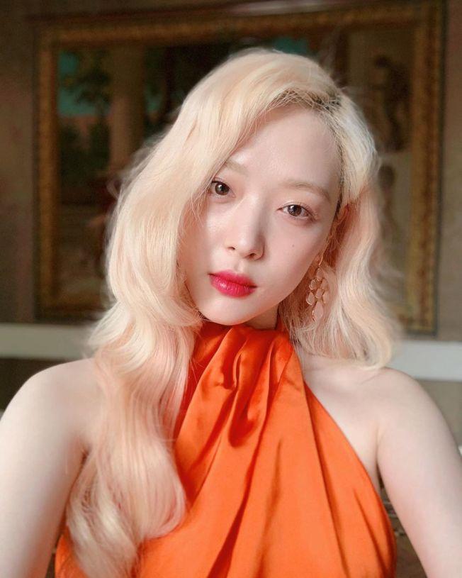前南韓女團f(x)成員雪莉上月自縊身亡。(取材自Instagram)