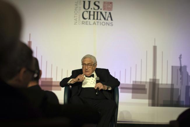 美國前國務卿季辛吉14日出席美中關係全國委員會晚宴。(美聯社)