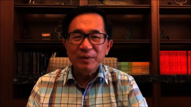 前總統陳水扁今天在臉書提醒「蔡賴配」,距投票日還有50天,不能掉以輕心。(取材自陳水扁臉書)