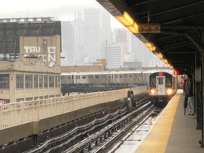周末紐約地鐵有變動。(記者顏嘉瑩/攝影)