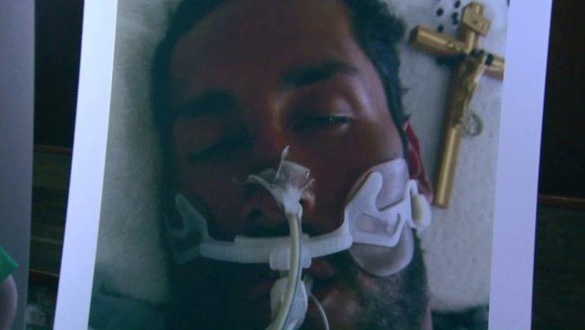 委內瑞拉不省人事躺在醫院。(家人提供)