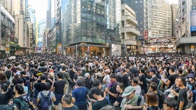 香港動亂持續五個月,百萬港人上街遊行捍衛民主人權。(南加大美中關係學院)