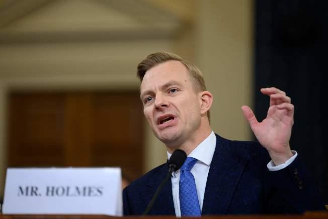 美駐烏克蘭大使館官員荷姆斯表示,川普不在乎烏克蘭,只關心對自己有利的「大事」。(Getty Images)