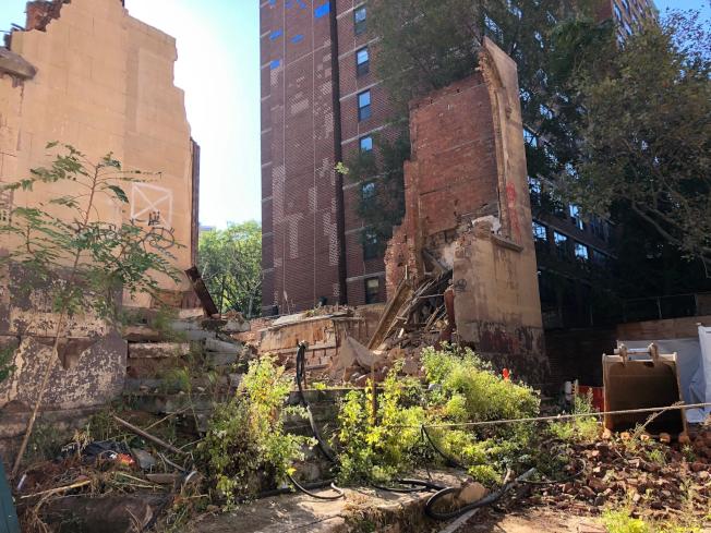 曼哈頓下東城10月猶太教堂廢墟改建工地坍塌現場。(市緊急事故管理辦公室提供)