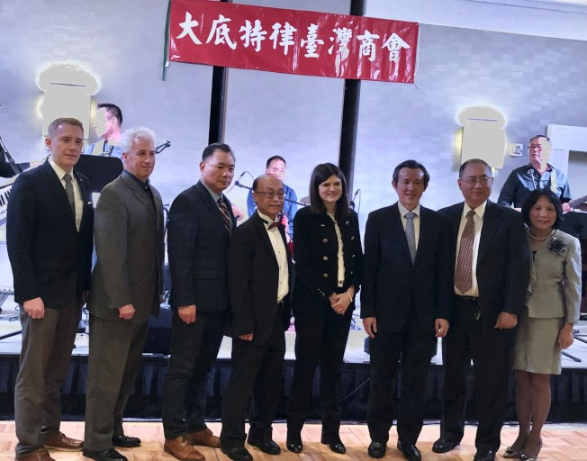 哈特威爾(由左至右)、拉布蘭、李維灝、辜耀先、海蕾史蒂文斯、陳彥夆、黃志強、黃麗音等出席了台商會年會。(記者馮紀漪/攝影)