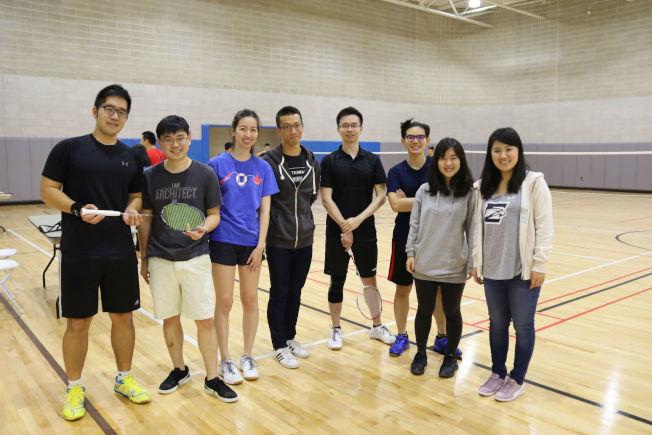愛默蕾大學和喬治亞理工學院聯隊,右為愛默蕾大學台灣學生會會長胡若辰。(記者陳淑玲/攝影)