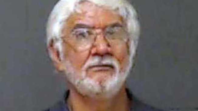 密西西比州的校車司機桑多瓦駕駛期間,多次撫摸一名八歲女童,被重判入獄30年。( 海泉市警局照片)