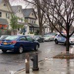 法拉盛亞裔老婦過街遭輾 傷勢嚴重 警封路調查