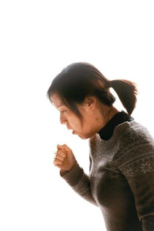 從中醫觀點,咳嗽可細分成熱性咳和寒性咳。(本報資料照片)