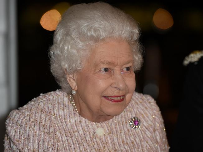 香港伊利沙伯中學的六名學生寫信給英國女王伊莉莎白二世,請求她與港人站在一起。圖為英國女王20日在倫敦出席活動的照片。(路透)