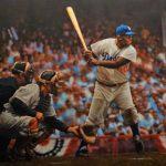 被罵被踹被扔球…MLB首位黑人球員留下傳奇