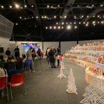 世界最大薑餅村 紐約科學館展出 再破金氏紀錄