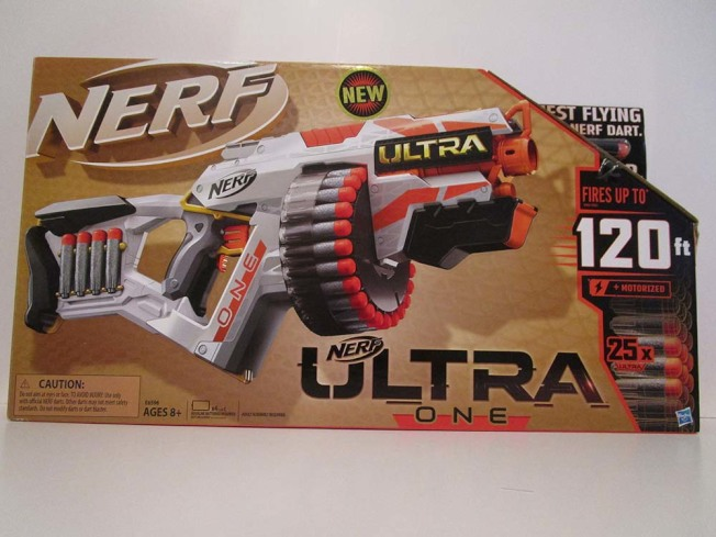 孩之寶的「Nerf Ultra One Gun」玩具子彈射擊力道強大,可能造成眼睛受傷。(取自WATCH網站)