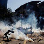一邊議員催促 一邊北京威脅 香港人權法 川普尚未表態