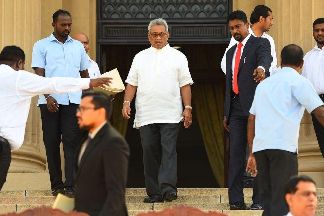 被認為立場親中的斯里蘭卡新任總統戈塔巴耶.拉賈帕克薩(中),在29日訪問印度前接受印度媒體專訪時說,斯里蘭卡將成為中立國家,與印度等所有國家合作。Getty Images