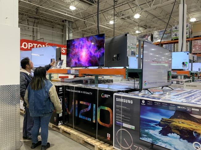 黑五是搶購電視 和電子產品的好時機。