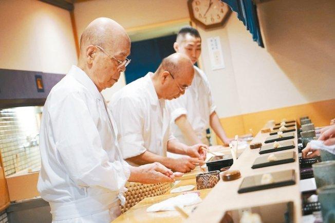 因為不開放一般民眾訂位,因此「壽司之神」小野二郎主理的「數寄屋橋次郎」今年未入榜。圖/報系資料照