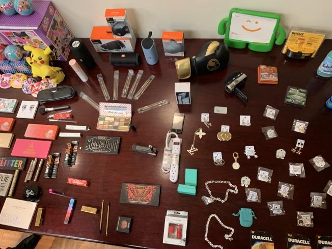 問題商品大多來自亞洲國家,包括中國。(記者王子銘/攝影)