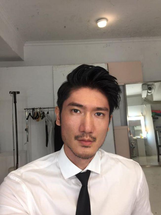 高宇橋也從事演藝工作,與高以翔長相神似。圖/摘自臉書