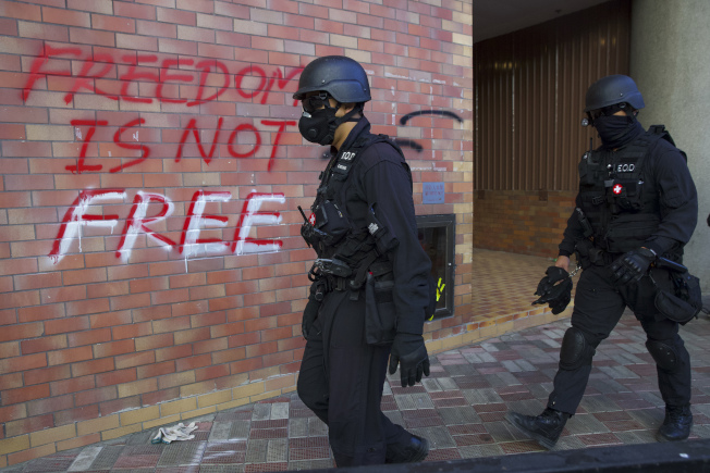 香港街頭仍危機四伏。(美聯社)