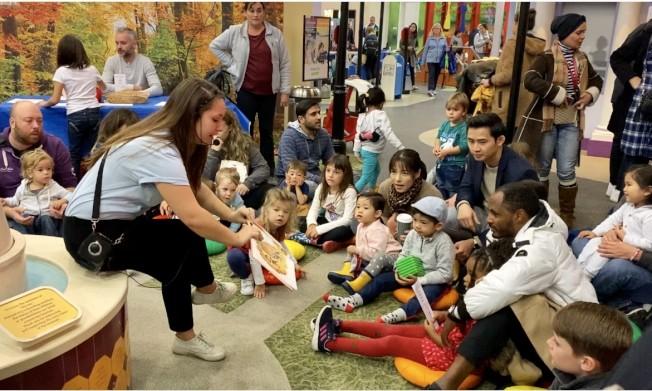 爾灣微型城市兒童博物館孩子們慶祝感恩節。(記者尚穎/攝影)