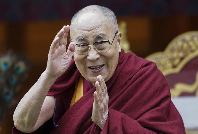 100多位在印度達蘭薩拉出席第14屆西藏宗教領袖會議的資深宗教領袖昨天通過一項特別決議,祈請達賴喇嘛依照西藏傳統轉世,表示沒有任何政府有認證轉世靈童的權力。 美聯社