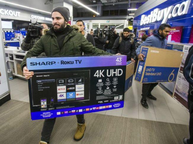 37--今年灣區的黑五,大型電視仍是搶購焦點。(電視新聞截圖)