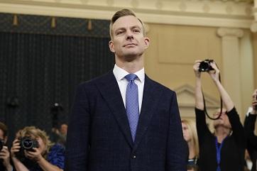 美駐烏克蘭大使館官員荷姆斯21日在彈劾聽證會作證。(美聯社)