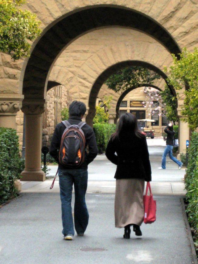大學申請面試環節很多。(本報資料照片)