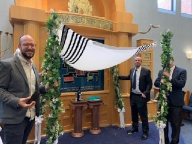 彩棚是「婚禮的華蓋」。(作者提供)