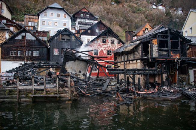 被聯合國教科文組織列為世界遺產的奧地利哈修塔特(Hallstatt)小鎮30日發生火災,至少四座房屋嚴重受損。(Getty Images)