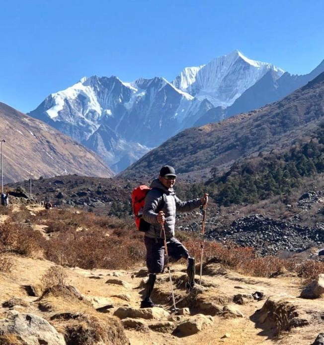 雙腳膝上截肢的馬加爾預計明年春天挑戰登聖母峰。(取材自臉書)
