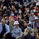香港銀髮族和中學生集會 「老幼攜手」反警濫射催淚彈