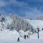 感恩節前夕飄雪 華盛頓州滑雪場開門