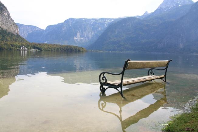 哈修塔特附近,湖光山色宛如仙境。(記者王郁婷/攝影)