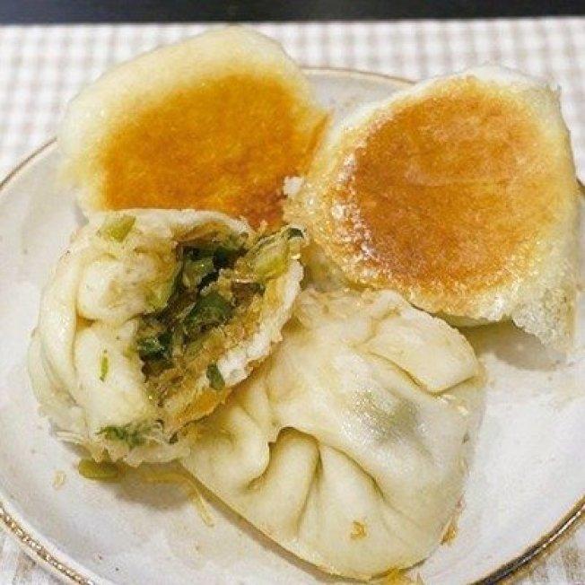 簡單美味的生煎包,適合當正餐間止飢的小點心。圖/太陽臉