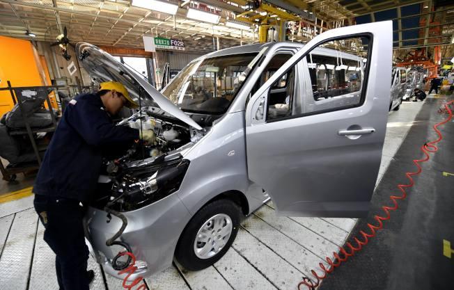 中國車市2020年至少有10%的負增長,估計要到年底才有望回暖。(新華社)