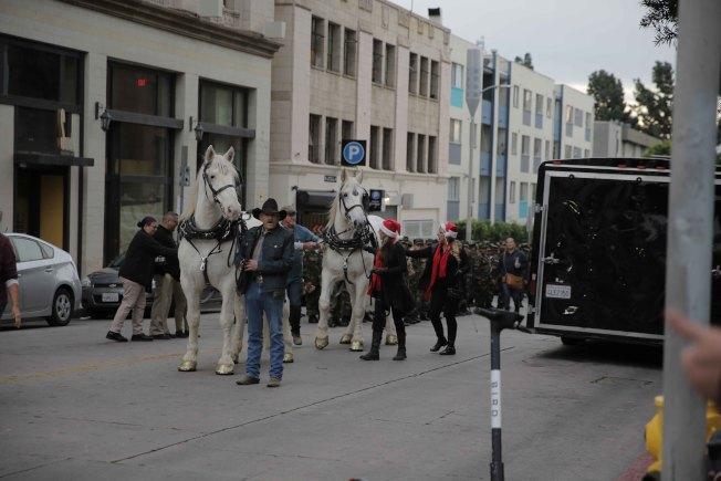 第88屆好萊塢耶誕節遊行馬車。(記者王子銘/攝影)