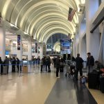 連續假機場堵塞 東行航班延誤
