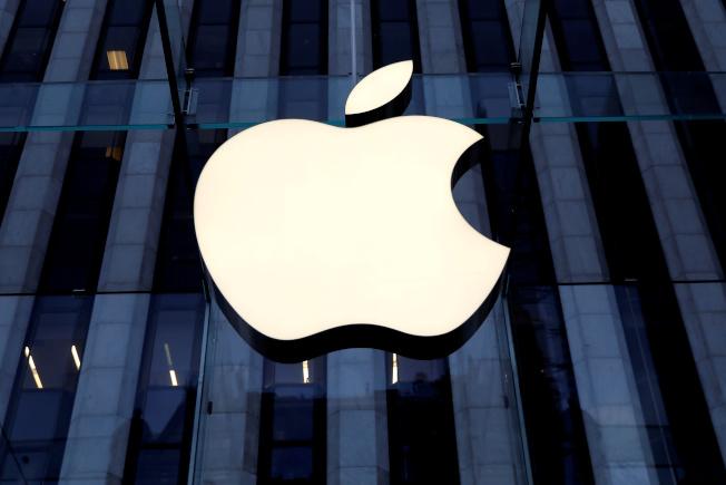 蘋果股價暴衝,帶動市值衝上近1.2兆美元,比標普500能源指數成份股加起來還多。路透