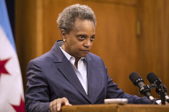 芝加哥市長萊特福特2日突然宣布開除市警察局長強森。(美聯社)