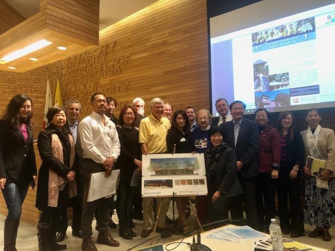 亞凱迪亞華人協會3日舉辦記者會,呼籲為童軍堡壘整修工程募款。(記者張宏/攝影)