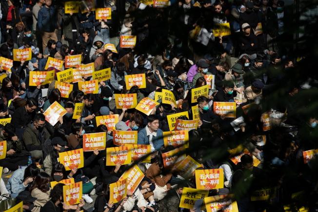 針對網民發出「最後通牒」,要求政府回應五大訴求,香港特首林鄭月娥3日表示「已經回答了很多次,目前沒有什麼可以補充」。(歐新社)